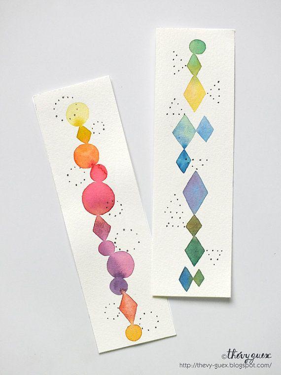 Set van twee originele aquarel bladwijzers met multicolor regenboog geometrische ruit vormen en kleine puntjes.  Dit zijn de originele schilderijen, niet afdrukken.  Geschilderd op mooie Franse aquarel papier Moulin du Roy 100% chiffon zuur gratis, en ondersteund met witte bristol.  Unieke handbeschilderde bladwijzers.  Grootte 4.8 x 15 cm.  Houd er rekening mee dat kleuren iets afwijken kunnen van wat u op uw monitor ziet.  De bladwijzers zal worden ondertekend en zorgvuldig verpakt om je…