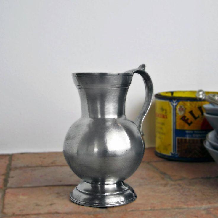 Pewter Pitcher - Height: 16 cm (6,3″) - Food Safe Product - #jug #pitcher #pewter #brocca #caraffa #peltro #krug #zinn #zinnkrug #étain #etain #peltre #tinn #олово #оловянный #tableware #dinnerware #drinkware #table #accessories #decor #design #bottega #peltro #GT #italian #handmade #made #italy #artisans #craftsmanship #craftsman #primitive #vintage #antique