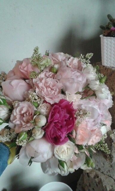 Bouquet da sposa peonie e rose. Maggio 2015
