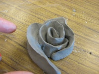 Clay flower tutorial!Clay Projects, Art Teachers, Art Lessons, Middle School, Make Flower, Clay Rose, Art Ideas, Clay Flowers, 5Th Grade Art