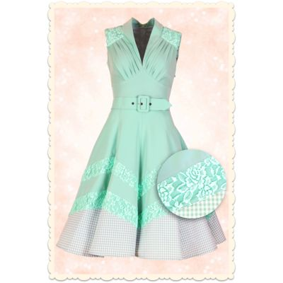 Oh lala, la robe Madalyn vert menthe! Avec de la dentelle et du vichy pour un look rétro impeccable / Gorgeous Madalyn dress by Miss Candyfloss in mint green with lace and gingham ♥ MissRetroChic.com glamour & vintage online boutique ♥