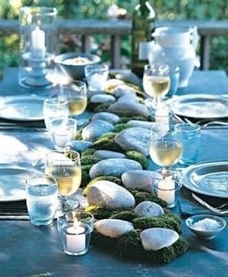 Moss and stones table runner alfresco