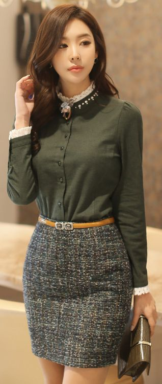 StyleOnme_Slim Fit Tweed Mini Skirt #feminine #elegant #classy #wintertrend #koreanfashion #kstyle #seoul #kfashion #skirt