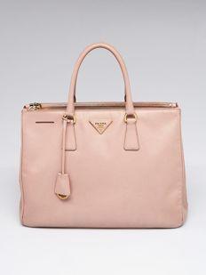 4f6a9d429e75 Prada - Galleria large lux Shopper | Bags and clutches in 2019 ...