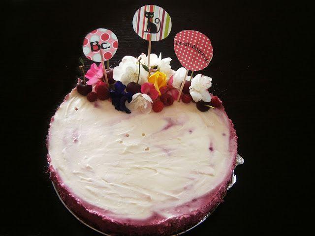 PečieMiTo: Bakalárska tortička  Sestra mala mať promócie. Tak...