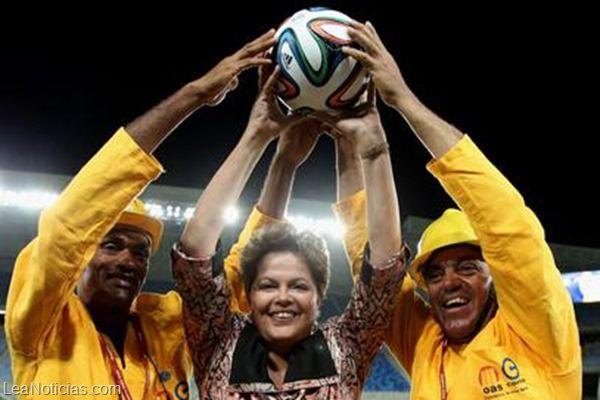Costo de estadios de Mundial 2014 se triplica, según la prensa internacional  - http://www.leanoticias.com/2014/01/27/costo-de-estadios-de-mundial-2014-se-triplica-segun-la-prensa-internacional/