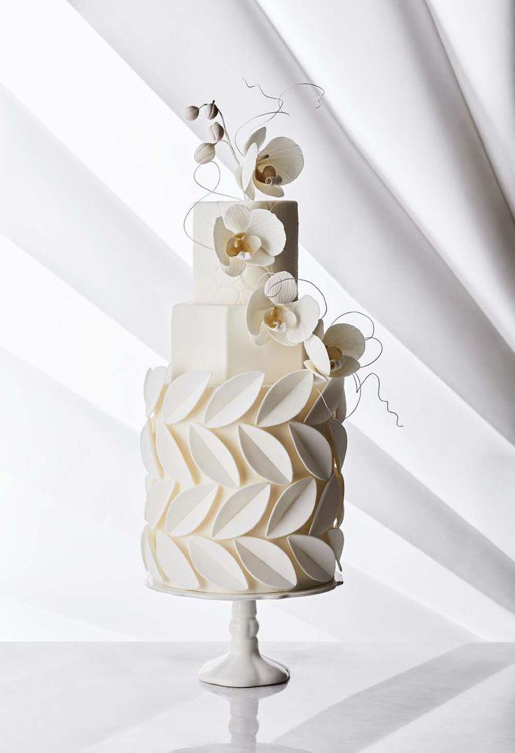 Moderne Wege, um dieses altehrwürdige Hochzeitsdessert neu zu erfinden.Lesen Sie mehr ›   – Unique Wedding Cakes