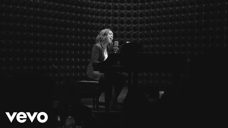 Ruth B. - If This Is Love (First Live Performance at Joe's Pub in New Yo...