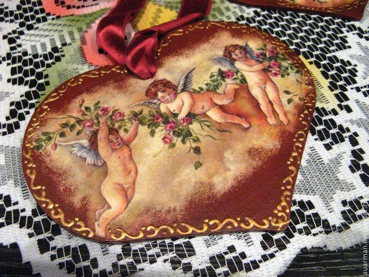 Купить Подвеска-панно в виде сердца декупаж Ангелы-хранители - бордовый, подвеска сердце