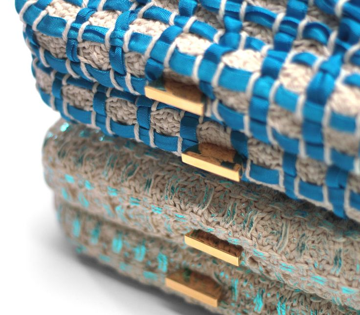 Musa // details. Ladies clutch in handwoven fabric + brass closure. Dolores blu// 60% cotton 40 % poly. Pulce cotton laminated pale blue// 100% cotton.