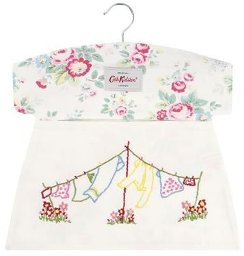 Store your pegs in this lovely embroidered Trailing Floral bag and brighten up your day every time you hang out the washing. Matching laundry items available.
