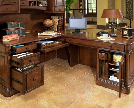 Villa Tuscano Return Desk With Hutch