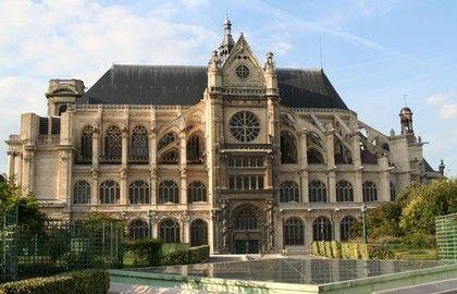 Au cœur du quartier des Halles, l'église Saint-Eustache est l'une des plus visitées de Paris. Elle se distingue par ses dimensions, qui la rapproche davantage d'une cathédrale, et par la grande richesse des œuvres d'art qu'elle abrite. Construite en 1532, puis restaurée en 1840, elle possède plusieurs styles, gothique à l'extérieur, renaissance et classique à l'intérieur. Saint-Eustache est réputée pour son grand orgue (le plus grand de France) et son organiste vedette qui propose des…