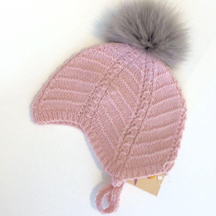 Babyhue - strik - lyserød/grå via Julie Dausell. Click on the image to see more!