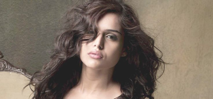Nathalia Kaur Age, Height, Net Worth, Weight, Wiki, Biography And Other