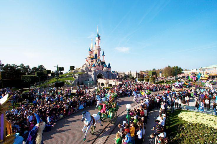 Lähde Tjäreborgin kanssa seikkailemaan Disneyland® Paris- huvipuistoon ja pääset nauttimaan Disneyn taianomaisesta maailmasta! #Pariisi #Disneyland #Paris #travel