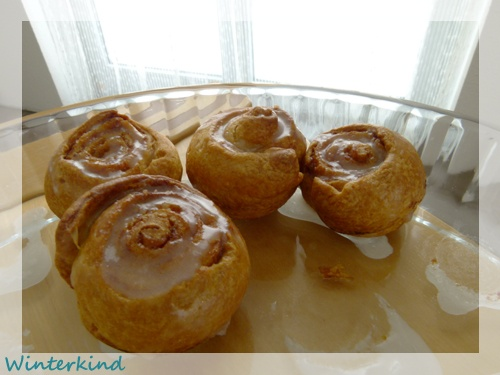Mini-Zimt-Schnecken (mini cinnamon rolls) {Winterkind}