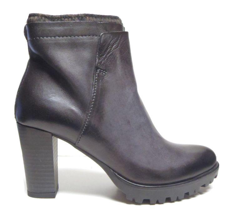 Mjus 557214 Storm http://www.traxxfootwear.ca/catalog/5193687/mjus-557214