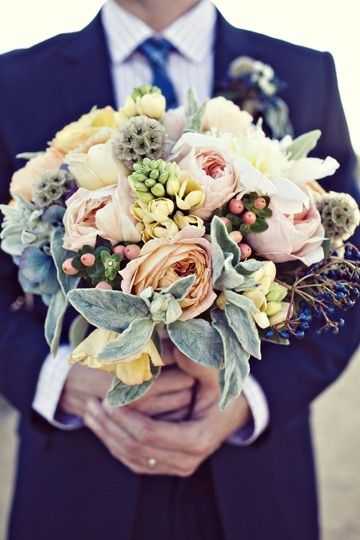 succulent bouquet... like the colors, soft blush pinks, greys and hints of chartreuse