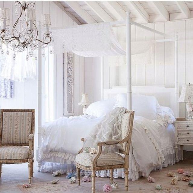 Pretty Shabby French bedroom