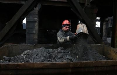 Calcined petroleum coke and Coal companies in India  - ICS Dyechem Enterprises is one of the leading importer and trader of Calcined petroleum coke and Coal companies in India. http://www.icsdyechem.com/ourwork.php