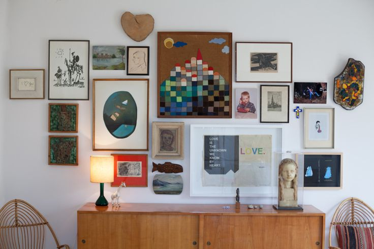 "TOUCH dieses Bild: Bruno: ""This wall in my bedroom has all of the artwork th... by FvF"