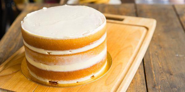 Простейший торт с кремом из коржей