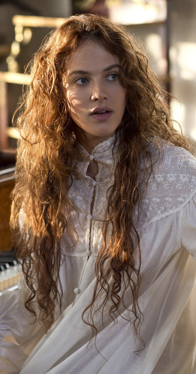 Jessica Brown Findlay in A New York Winters Tale (2014) - IMDb