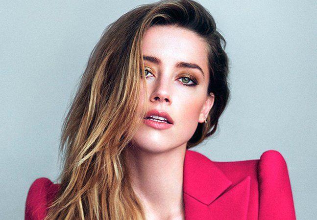 O final conturbado do relacionamento entre Johnny Depp e Amber Heard ganhou destaque nos portais de notícias do mundo inteiro nos últimos meses. Segundo declarações da modelo, o ator americano a teria agredido fisicamente jogando um celular em seu rosto. Fotos que a mostram machucada foram divulgadas e, pouco depois, um vídeo em que Depp age bastante violentamente com Amber também vazou na internet. Agora, após inúmeras notícias que chegaram até mesmo a contestar a versão dada pela modelo –…