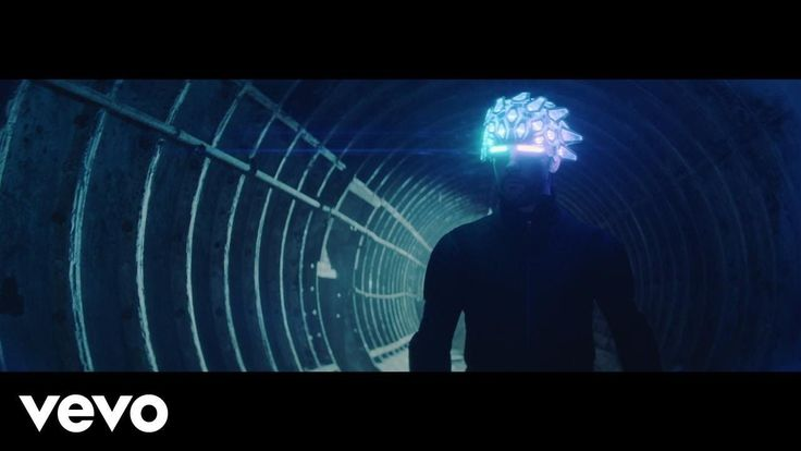 """Jamiroquai Drops 'Automaton' Video Album Due March 31  British funkster Jamiroquai is officially back. After teasing a return following a nearly six year layoff Jay Kay dropped the """"Automaton"""" video on Friday (Jan. 27) and announced that the accompanying album is due March 31."""