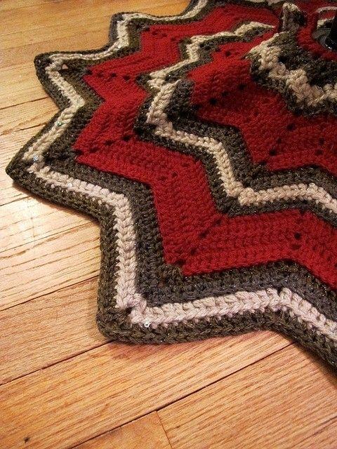 Ripple Free Knitting Crochet Christmas Tree Skirt Pattern for 2014 Christmas - Christmas Craft, Chevron Christmas Tree Skirt