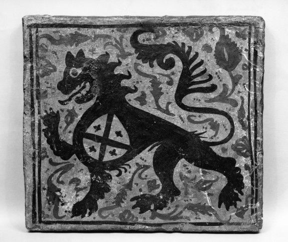 Ceiling tile (socarrat) with heraldic lion with shield