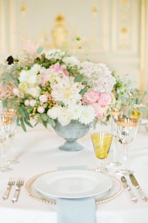 Pink and Blue Wedding Centerpiece | photography by http://www.emmawyatt.com/