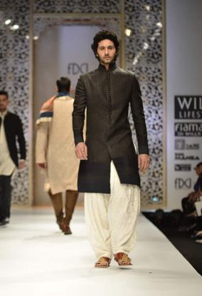 Manish Malhotra http://www.manishmalhotra.in/ Collection at Wills India #Fashion Week, Feb 2012