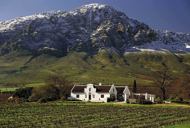 Cape Dutch House - South Africa. Winelands. KONTOURS PRIVATE TOURS