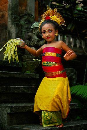 Vanishing Cultures Photography | Legong Dancers | Pendet dance