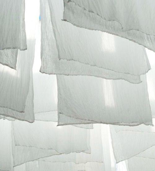 Hanging Cotton Voile via Met Melk & Suiker