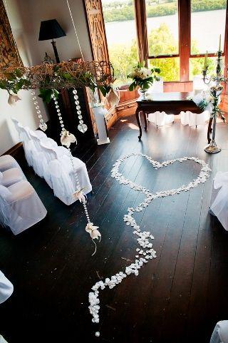 petal wedding heart  For more wedding tips and ideas go to my blog. www.mrspurplerose.com
