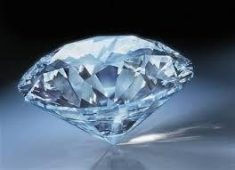 Diamant je nejtvrdší známý přírodní minerál. je to jedna z forem uhlíku. Pro použití ve šperku je nejoblíbenější výbrus nazývaný briliant..