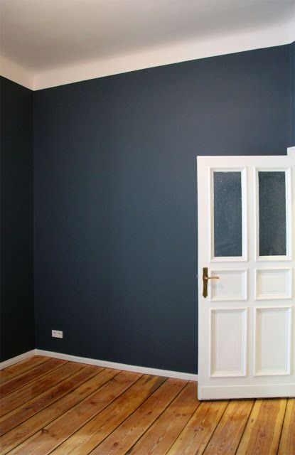 by AnneLiWest|BerlinEin (T)Raum in Blau – #StiffkeyBlue #FarrowandBall www.waringsathome.co.uk