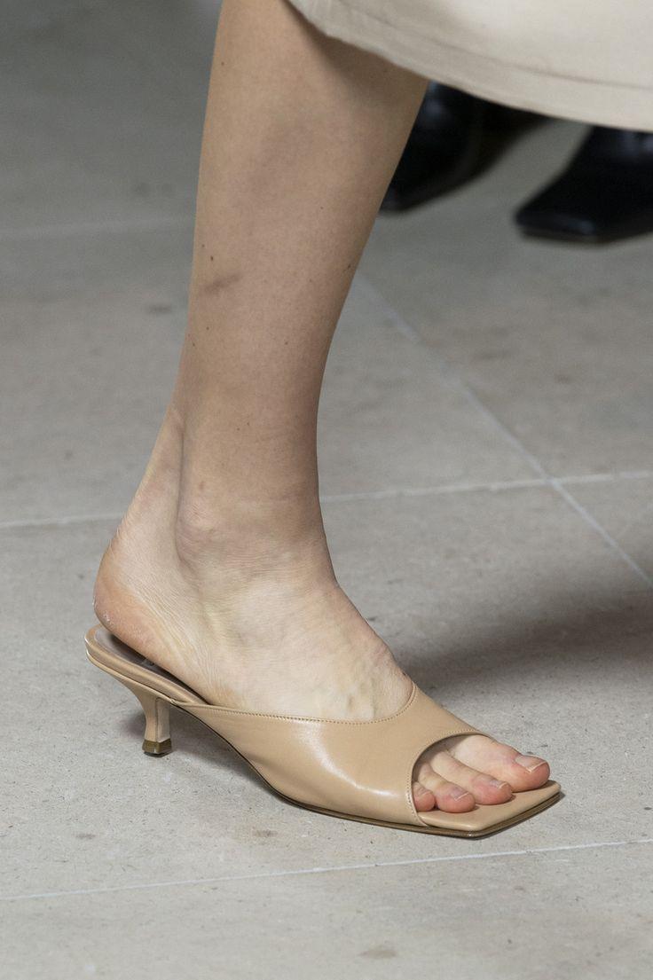 A.W.A.K.E. Mode at London Fashion Week Spring 2020 – Schuhe & Schlappen
