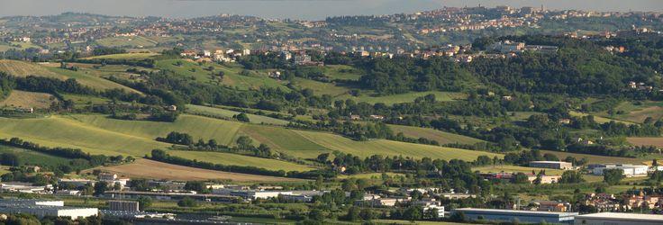 https://flic.kr/p/V5LDMD   Camerano, Marche, Italy - The Marche hills - stitch by Gianni Del Bufalo CC BY-NC-SA   STD_7698_00stitch