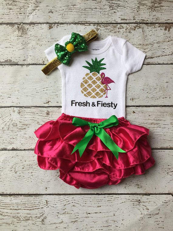 Take home outfit / baby shower gift/Hot pink bloomer set/ new born ruffle bloomer/  photo prop/ new born girl/ fresh and fiesty/pineapple