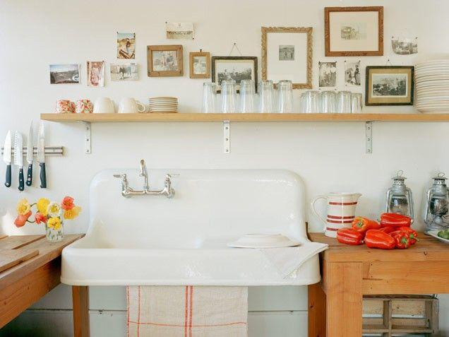 .: Kitchens Shelves, Kitchens Design, Open Shelves, Idea, Farms Sinks, Farmhouse Sinks, Design Kitchens, Open Kitchens, Kitchens Sinks