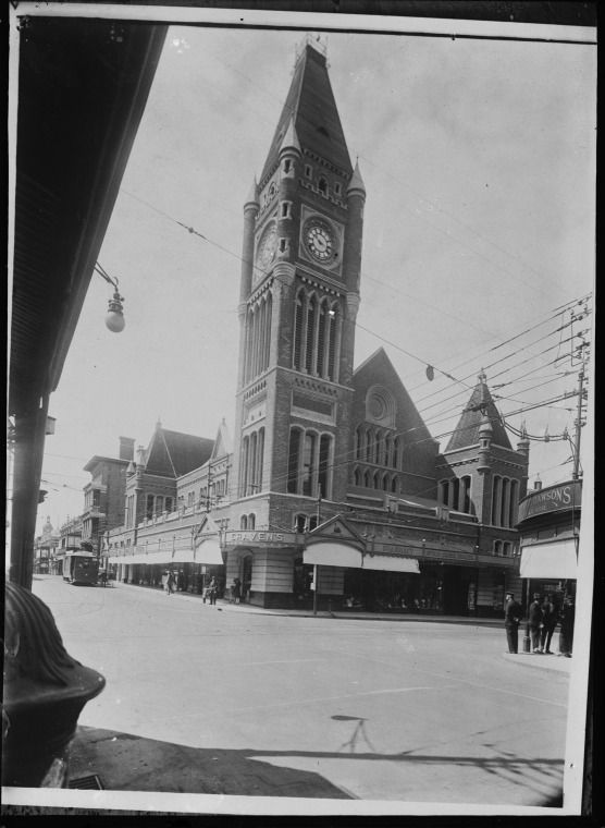 007741PD: Perth Town Hall, ca. 1930 https://encore.slwa.wa.gov.au/iii/encore/record/C__Rb4535294