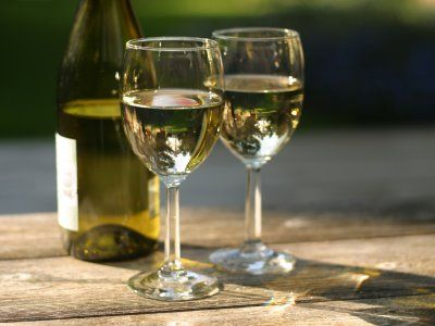 French Wine Features & More Free Tastings