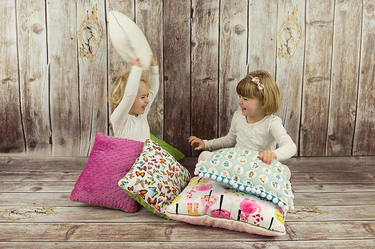 LilleBird pillows are made to be snuggled, to be slept on, to decorate and to be loved. Because they are soft like minky, colourful like butterflies and interesting like nature itself.
