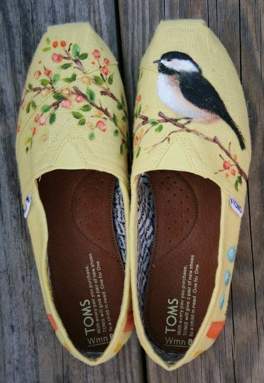 Hand painted TOMS - I wonder if I could do this to a pair of espadrilles? hmmmm?!!
