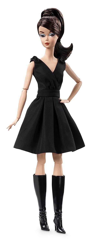 Barbie Coleção Bonecas do Mundo -Boneca Clássica - Vestido Preto  Coleção Mundo das Bonecas para sua coleção! Barbie Coleção Bonecas do Mundo -Boneca Clássica - Vestido Preto