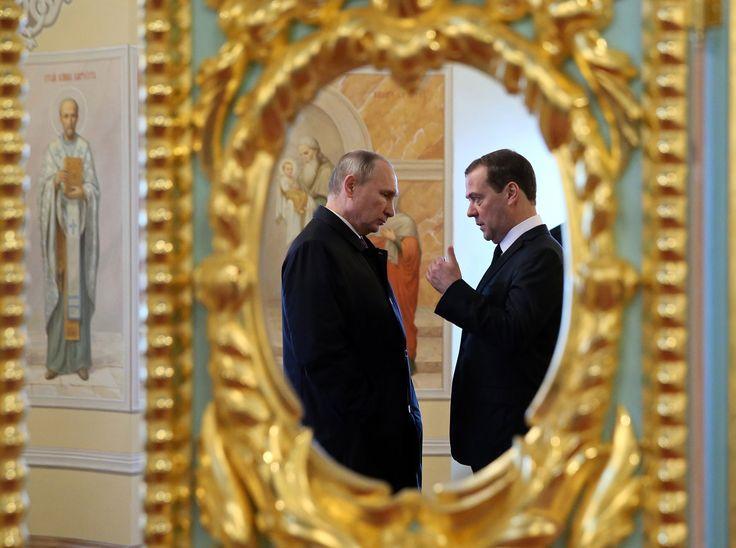Why Putins Foes Deplore U.S. Fixation on Election Meddling